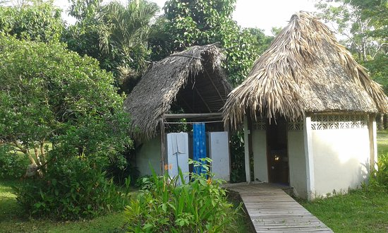 Punta Gorda, Belice: Outdoor Shower and Bathroom