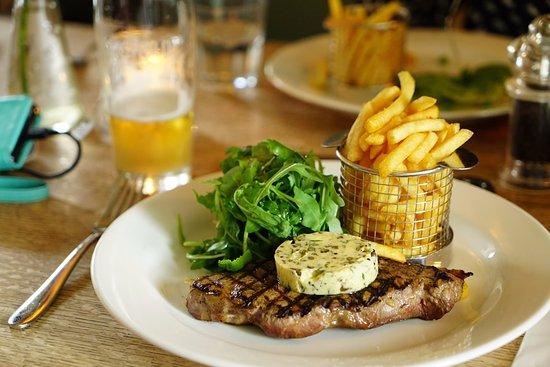 Bledington, UK: 8oz steak