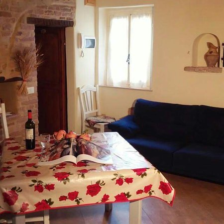 Colbordolo, İtalya: Casa vacanza nel castello di Montefabbri !!! Relax e serenità