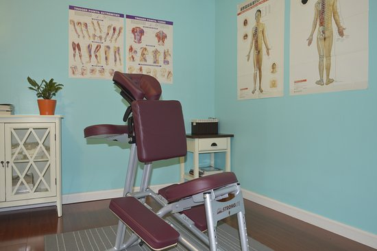Brookfield, CT: chair massage