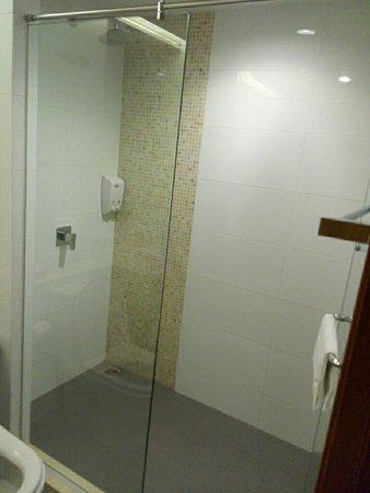 Ebina House: ห้องหัวมุม ตึก 2 สภาพใหม่ สมราคา