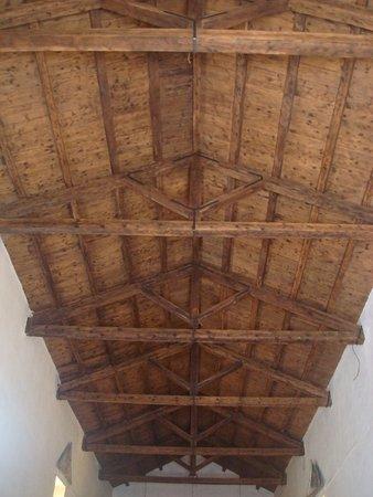 Chiesa di sant 39 agata arquata del tronto aggiornato 2017 for Soffitto della cattedrale di legno