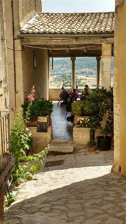 Simiane-la-Rotonde, Γαλλία: IMG_20160817_133106414_HDR_large.jpg