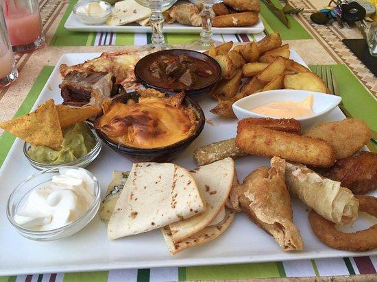 """Montbrison, Francia: """"L'assiette du Cactus"""" regroupant plusieurs spécialités mexicaines (à partager ou pas !)"""