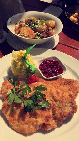 Taufkirchen, Duitsland: Wiener Schnitzel