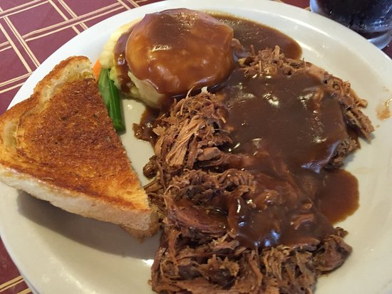 Walker, MI: Pot roast potatoes and garlic bread