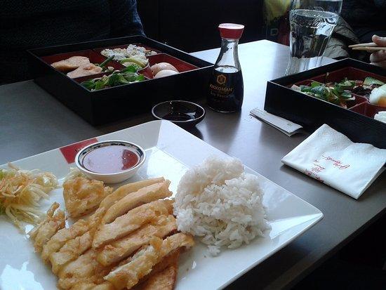 168 Ilufa Sushi & Wok : Hühnchen gebacken mit süß-sauer Sauce und Reis