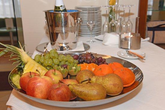 Ried Im Innkreis, Österrike: fruit plate example