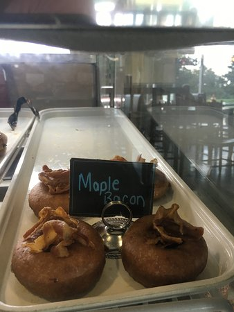Willow Grove, Pensilvanya: Maple Bacon Donuts