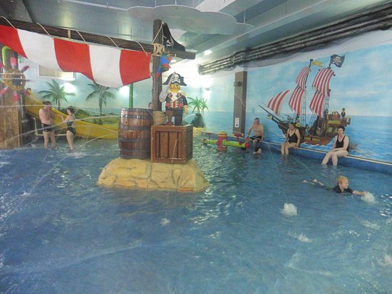 Legoland windsor resort hotel reviews photos price - Hotels in windsor uk with swimming pool ...