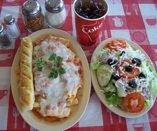 Massino's Pizzeria: Pasta combo meal