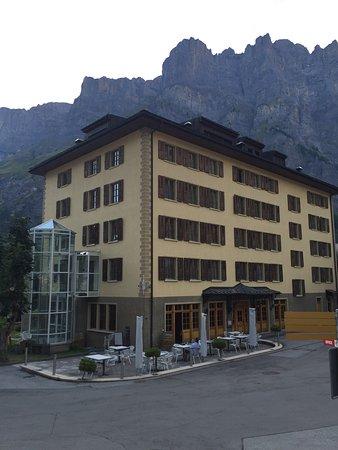 Sacre Bon im Heliopark Leukerbad,Hotels & Alpentherme