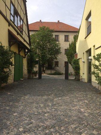 Auerstedt, Germany: Blick vom Park zum Schloss