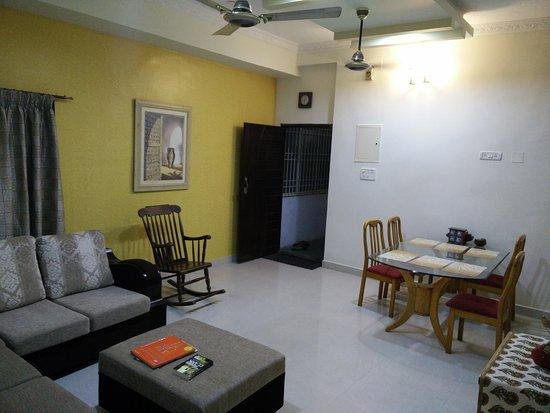 Bhuvi Serviced Apartments: Dining Room Velachery