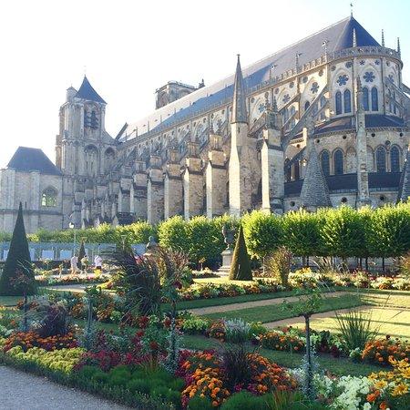 Saint-Georges-sur-Moulon, Francja: photo2.jpg