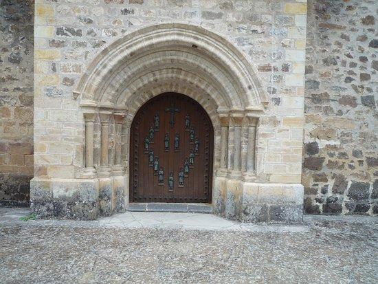 Esta es la reliquia del trozo de la cruz fotograf a de for Puerta que se abre sola