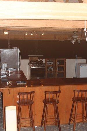 Πούντα Γκόρντα, Μπελίζ: Main Lodge Bar and Kitchen