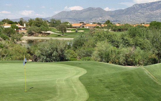 Oro Valley, AZ: Wouldn't you rather be golfing?