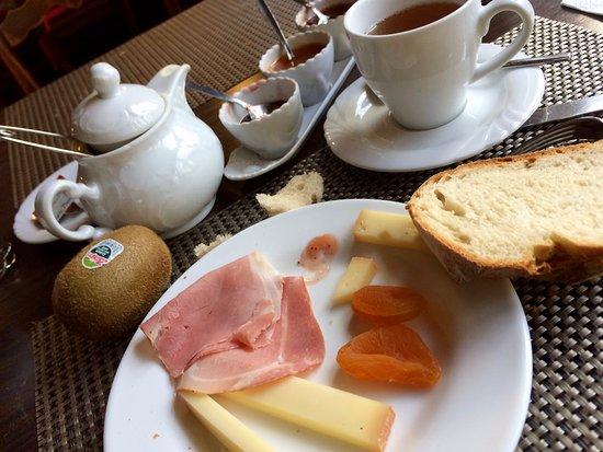 Bulle, Szwajcaria: Petit déjeuner