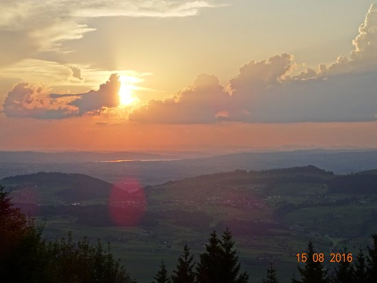 Kuessnacht am Rigi, Switzerland: Evening view from the hotel terrace.