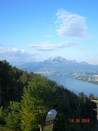 Kuessnacht am Rigi, Switzerland: The view from our room. Nr. 19