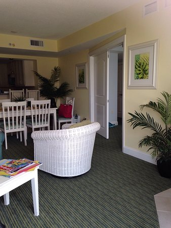 Miramar Condominiums: photo7.jpg