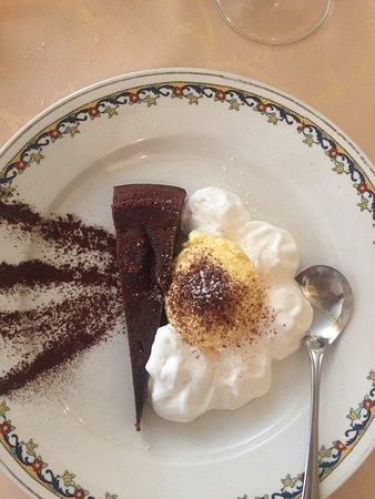 Bossolasco, Italia: Torta cioccolatina