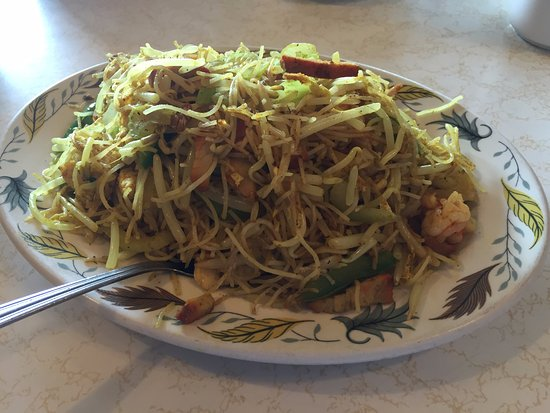 Singapore Noodles - Pagoda Restaurant, Kirkland Lake ON