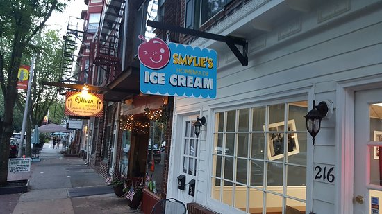 Bordentown, Νιού Τζέρσεϊ: Outside of ice cream shop