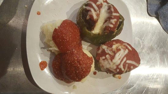 Latrobe, Πενσυλβάνια: Homemade stuffed peppers, homemade stuffed cabbage, homemade seafood trio. All made with love in