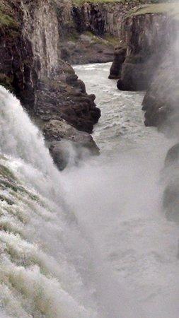 Iceland Horizon: Gullfoss Waterfall