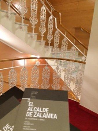 Teatro de la Comedia: La escalinata de hiero forjado por la que es conocido el Teatro