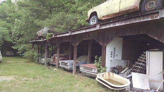 White, GA: Cars everywhere.