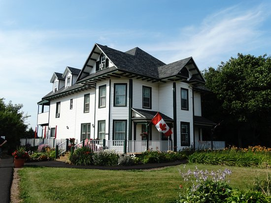 Miscouche, Canada: Front view of the B and B