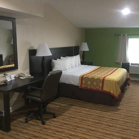 the 10 best asheville hotel deals oct 2016 tripadvisor. Black Bedroom Furniture Sets. Home Design Ideas