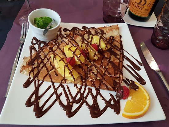 Nogent-le-Rotrou, فرنسا: Brochette d'ananas au chocolat excellente !