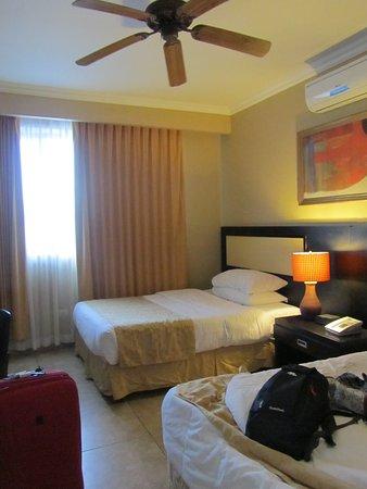 KC Hotel San Jose: Nuestra habitación