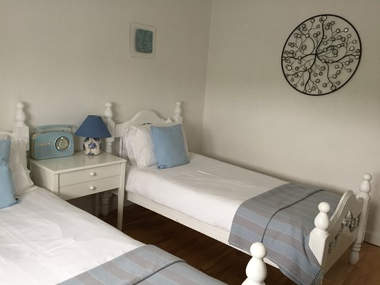 Tig an Rince : our twin bedroom