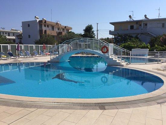 Kalloudis Hotel: Pool Area