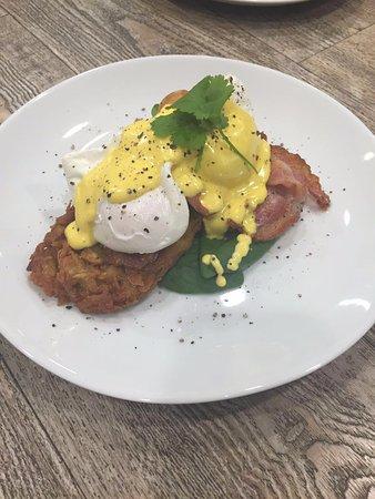 Browns Bay, Nueva Zelanda: Yum! Eggs bene...