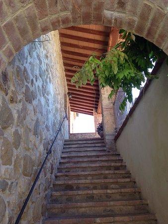 La Locanda Del Colle: photo1.jpg