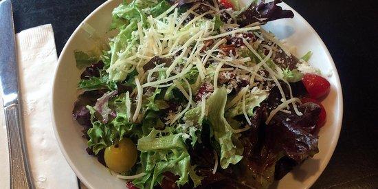 Newburyport, MA: Loretta salad