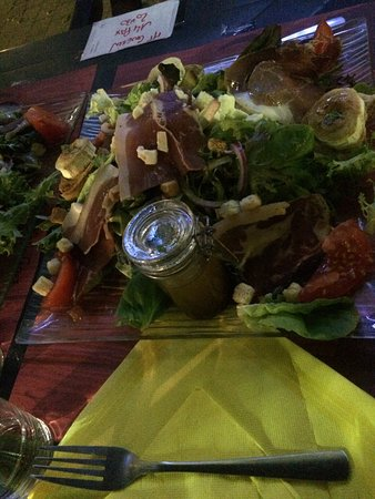 Lezignan-Corbieres, França: Wir waren heute mit französischen Freunden hier essen. Es war super!!! Ich hatte die Magret. S