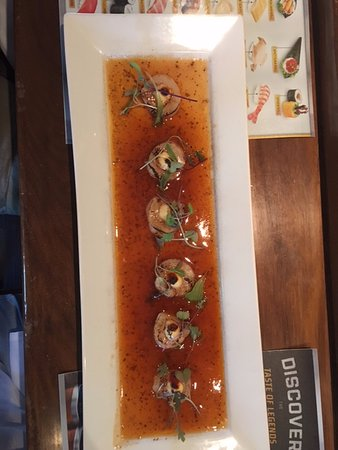 Newtown, CT: scallop carpaccio