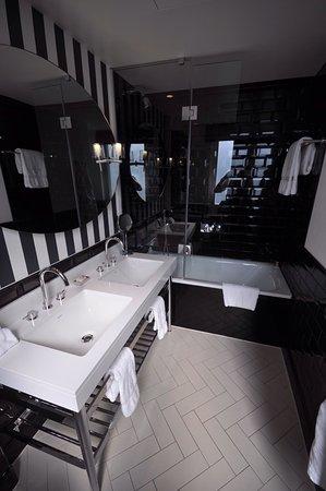 The Ampersand Hotel: photo2.jpg