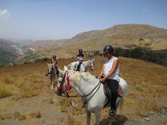 Güejar Sierra, Spanien: Todos a caballo en Sierra de Güejar.
