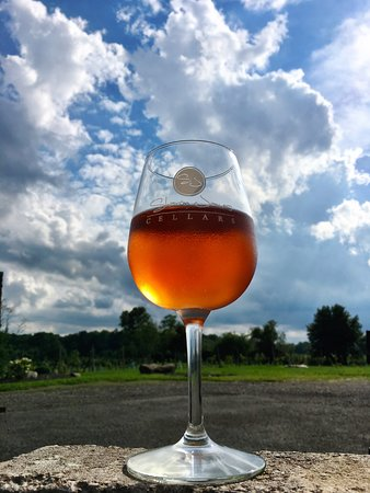 Newbury, OH: Sharon James Cellars