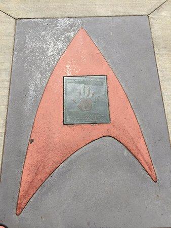 Vulcan, Канада: Harry Kim's (aka Garrett Wang's) hand on the walk of fame