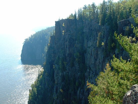 Devil's Rock Hiking Trail