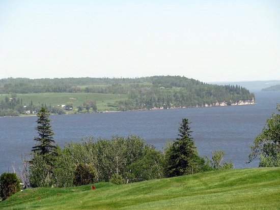 Temiskaming Shores, Canada : Dawson Point from Haileybury Golf Course
